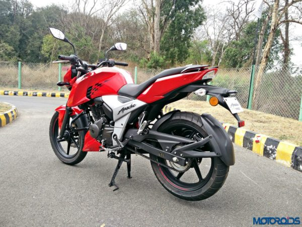 New 2018 TVS Apache RTR160 4V Review (25)