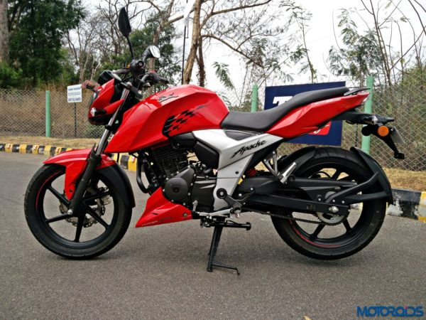 New 2018 TVS Apache RTR160 4V Review (27)
