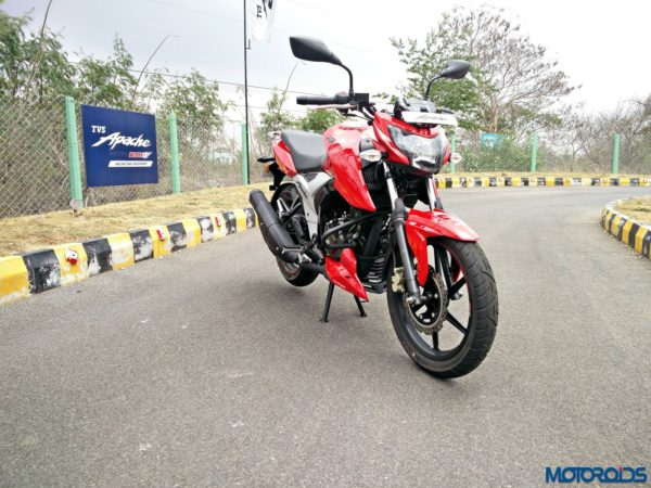 New 2018 TVS Apache RTR160 4V Review (5)