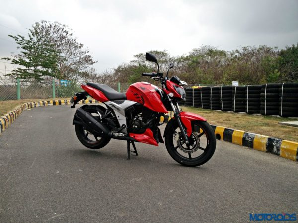 New 2018 TVS Apache RTR160 4V Review (7)