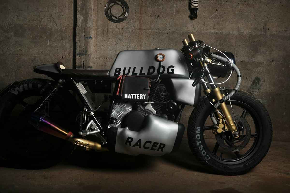 Bajaj pulsar 220 modified to cafe racer