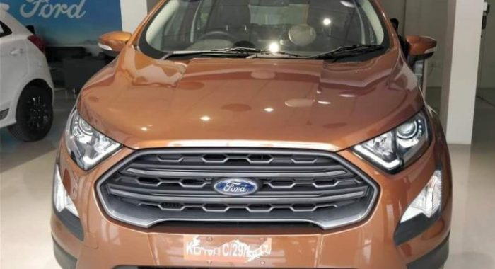 ford ecosport titanium s variant with sunroof spotted at. Black Bedroom Furniture Sets. Home Design Ideas
