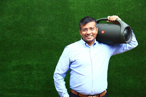 Sumit Chauhan with JBL Boombox (1)