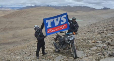TVS Apache RTR 200 4V Enters Limca Book Of Records (3)