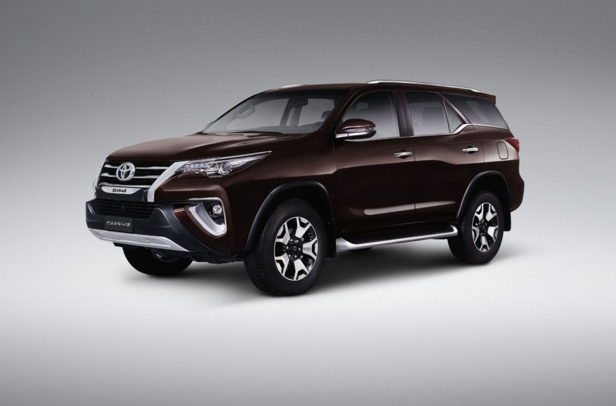 Toyota Fortuner Diamond Edition – Exterior (1)