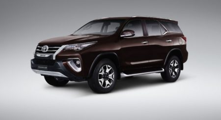 Toyota Fortuner Diamond Edition - Exterior (1)