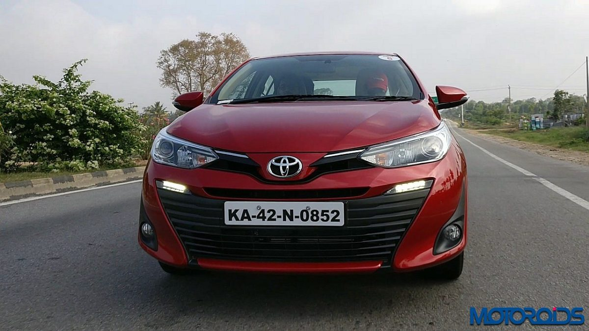Toyota Yaris India front red (3)