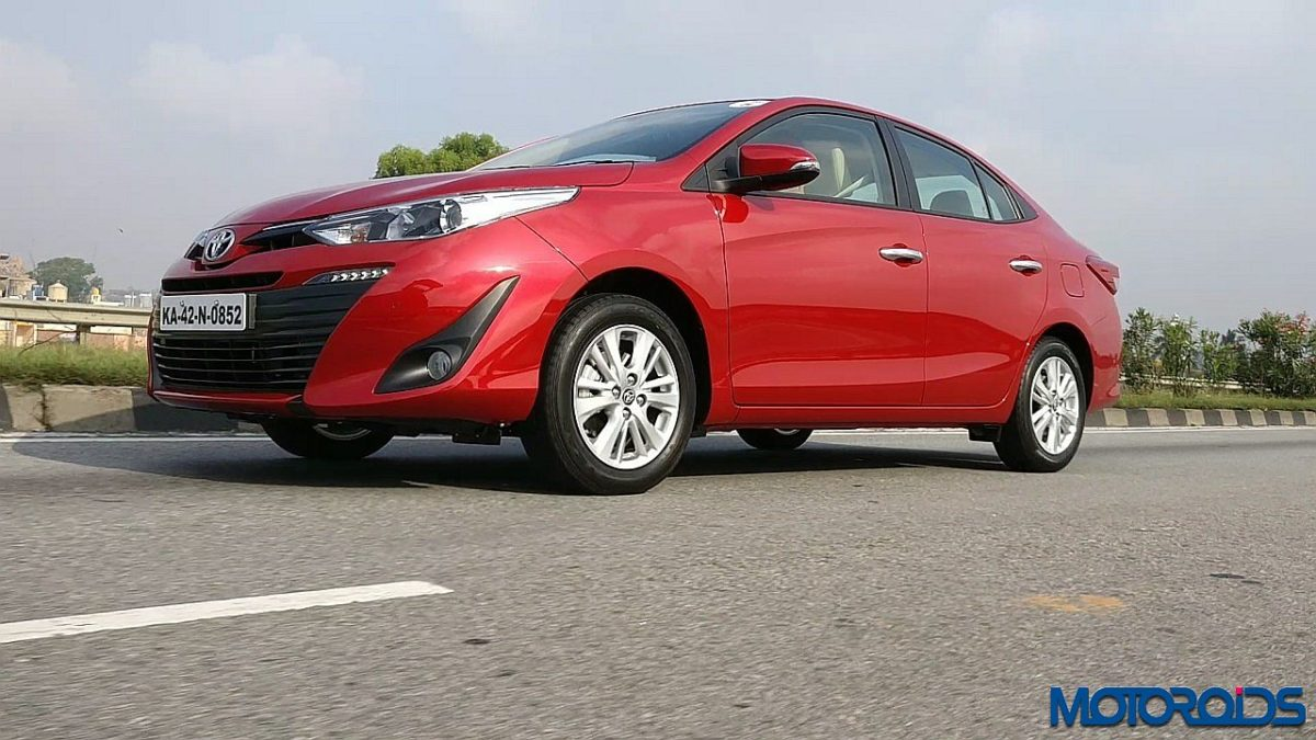 Toyota Yaris India front red (4)