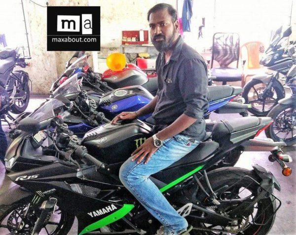 Yamaha R15 Monster Energy (1)