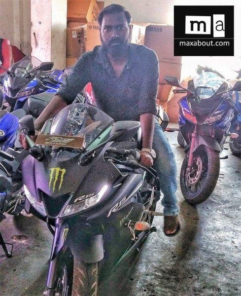 Yamaha R15 Monster Energy (2)