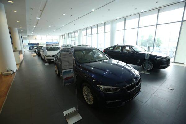 BMW Deutsche Motoren Dealership (57)