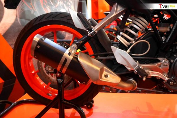 KTM Duke With Side Mounted Exhaust – Indonesia Show (2)