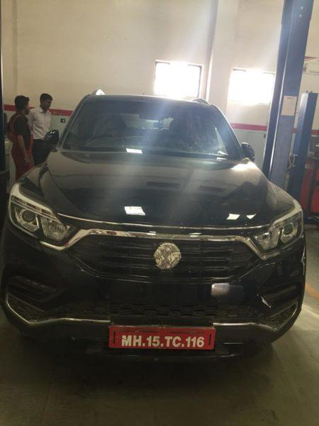 Mahindra XUV700 – via 4×4 India (2)