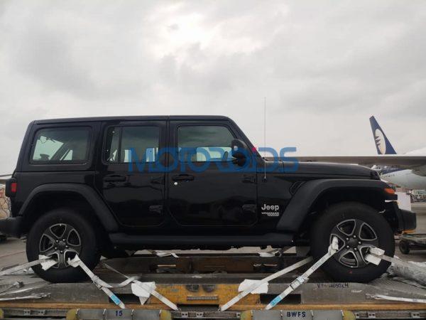 2018 Jeep Wrangler 2 Door And 4 Door Arrive In India (3)