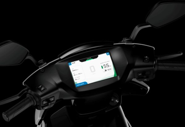 Ather 340 – 450 Electric Smart Scooter (4)