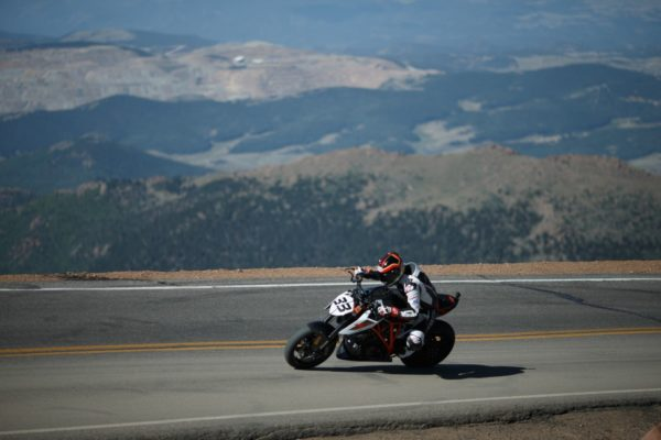 KTM 1290 SUPER DUKE R – Pikes Peak – Rennie Scaysbrook (3)