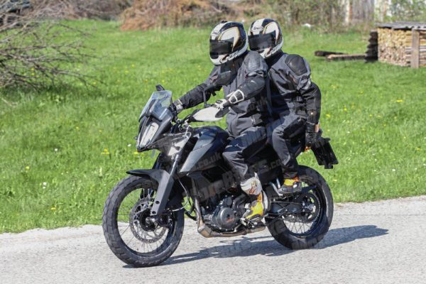 KTM 390 Adventure – MoreBikes (13)