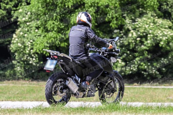 KTM 390 Adventure – MoreBikes (2)
