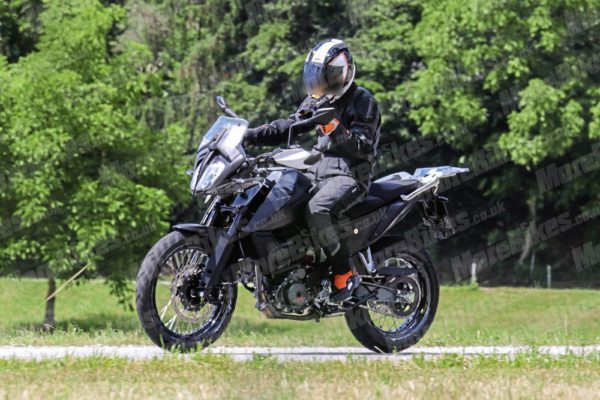 KTM 390 Adventure – MoreBikes (4)