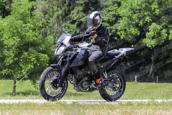 KTM 390 Adventure – MoreBikes (4)