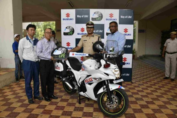 Suzuki Motorcycle India Kick Starts HelmetForLife Campaign To Promote Helmet Awareness (1)