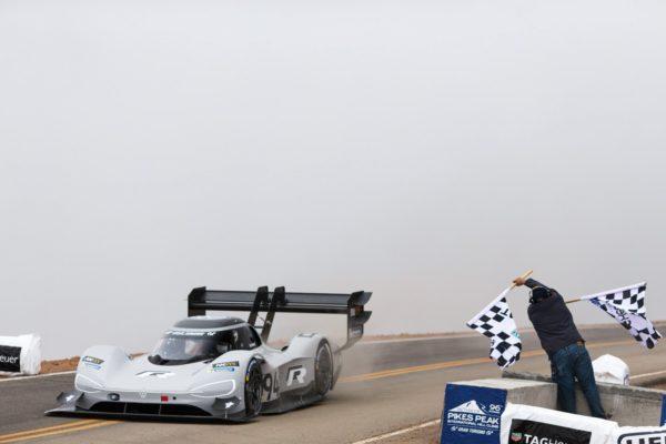 Volkswagen ID R Pikes Peak Sets New Record At 2018 Pikes Peak (1)