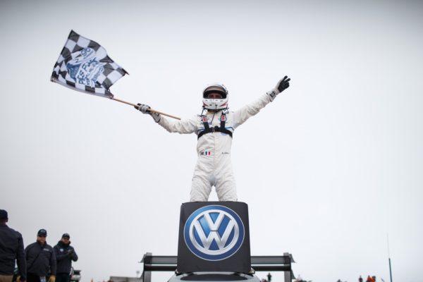Volkswagen ID R Pikes Peak Sets New Record At 2018 Pikes Peak (2)