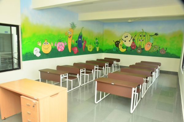 Volkswagen India builds an environment friendly primary school for children (2)