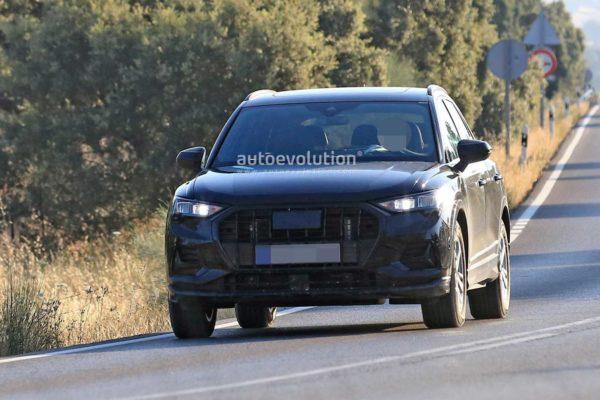 2019 Audi Q3 – Spy Images (1)