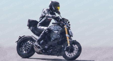2019 Ducati Diavel - Spied (3)