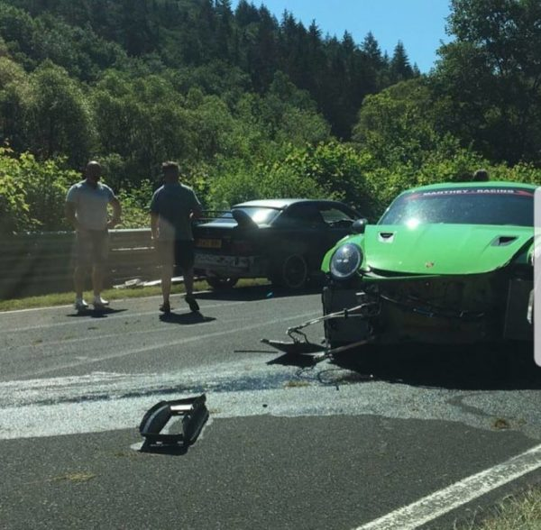 Brand New Porsche 911 GT3 RS Suffers Massive Damages In Nurburgring Crash (1)