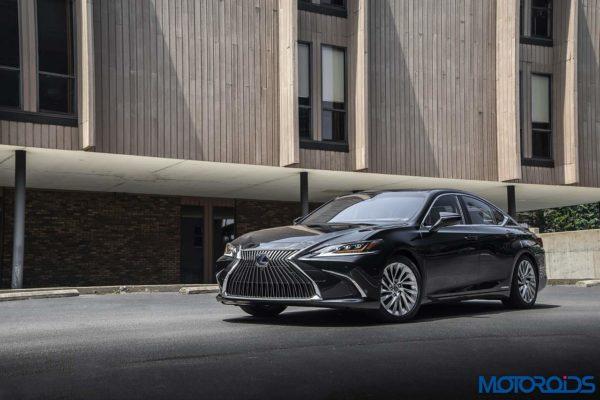 HV_Lexus ES 300H_Graphite Black GF1