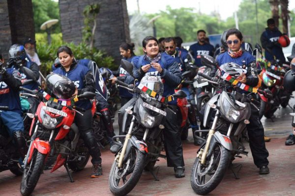 TVS Apache Owners Group's Ride To 'Race to the Clouds' Flagged Off From New Delhi (3)