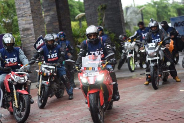 TVS Apache Owners Group's Ride To 'Race to the Clouds' Flagged Off From New Delhi (6)