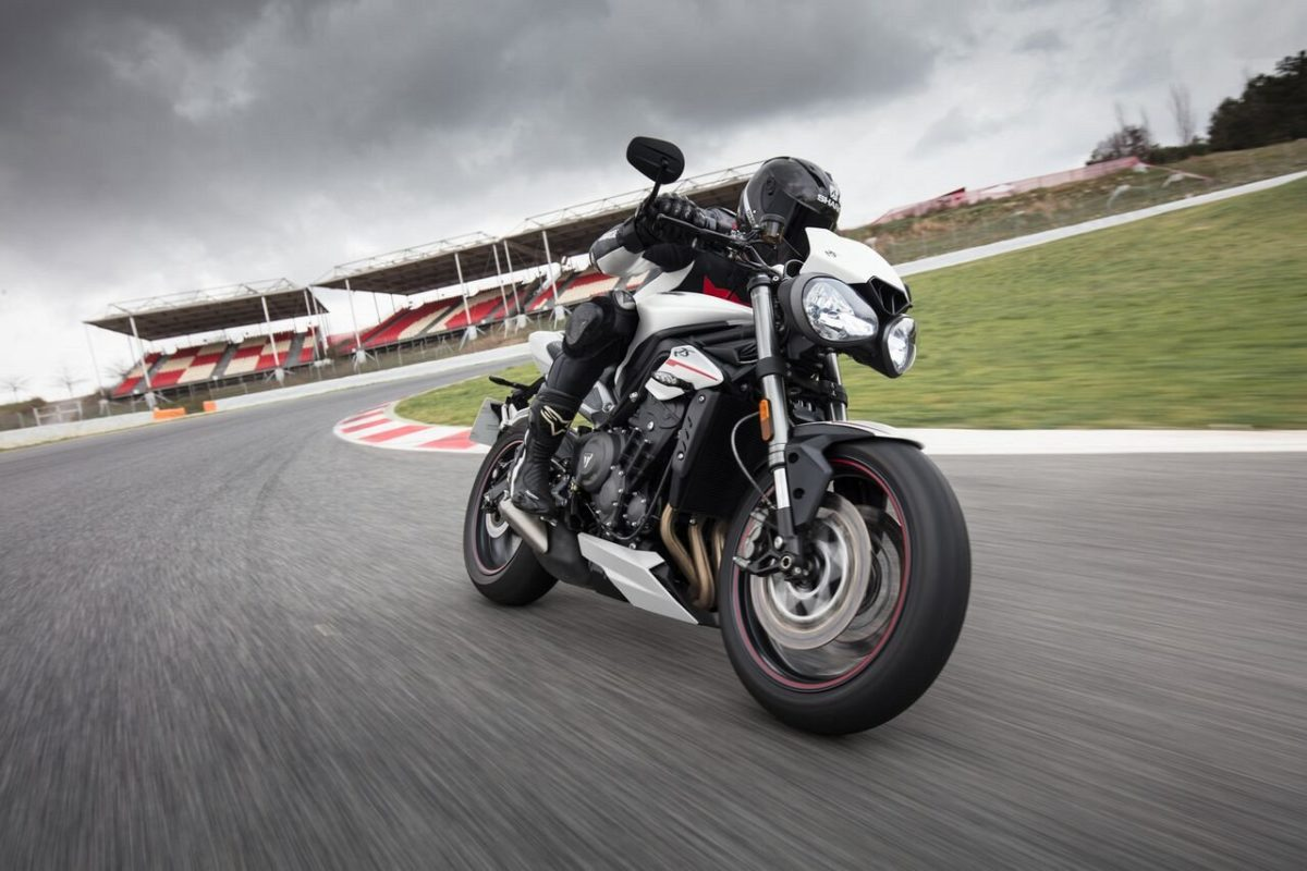 Triumph Street Triple RS – Crystal White (3)