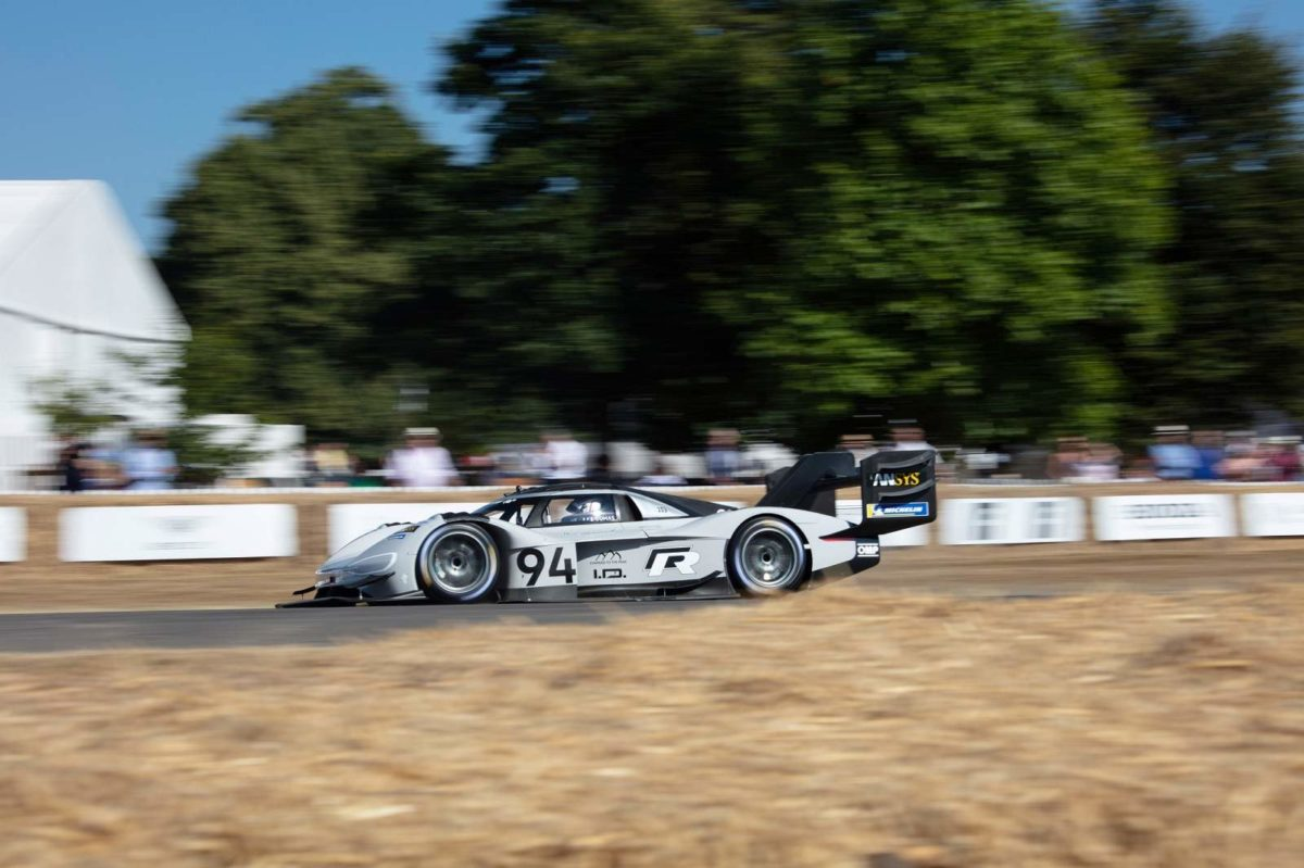 Volkswagen I.D. R Pikes Peak Breaks Electric Record At Goodwood (1)