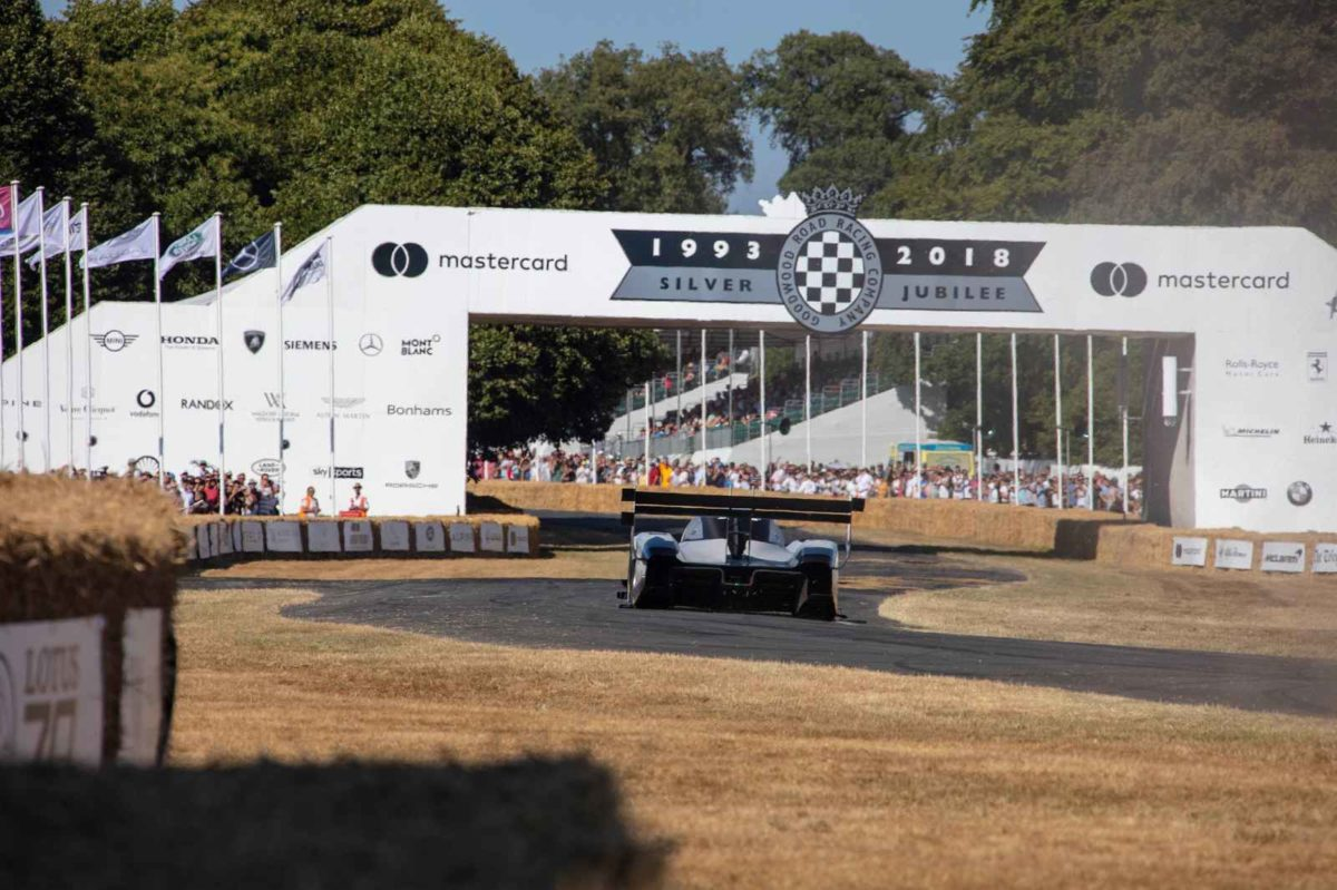 Volkswagen I.D. R Pikes Peak Breaks Electric Record At Goodwood (3)