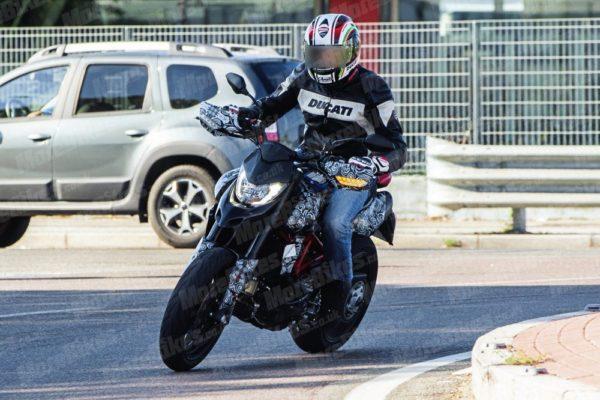 2019 Ducati Hypermotard Spied (1)