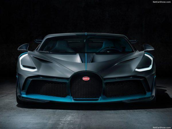 Bugatti Divo 2019 front