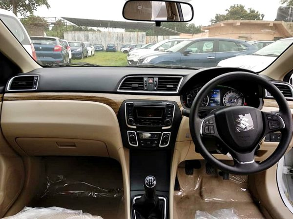 Clear Spy Images Of Upcoming 2018 Maruti Suzuki Ciaz – Interior (1)