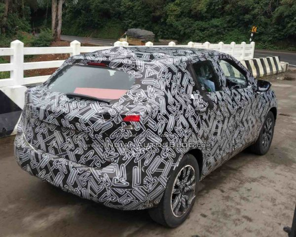 Heavily Camouflaged Test Mule Of Nissan Kicks Spied In India (3)