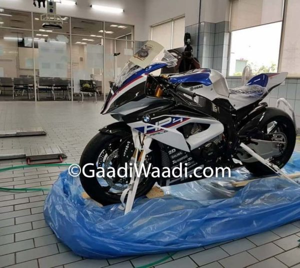 India's First BMW HP4 Race (1)