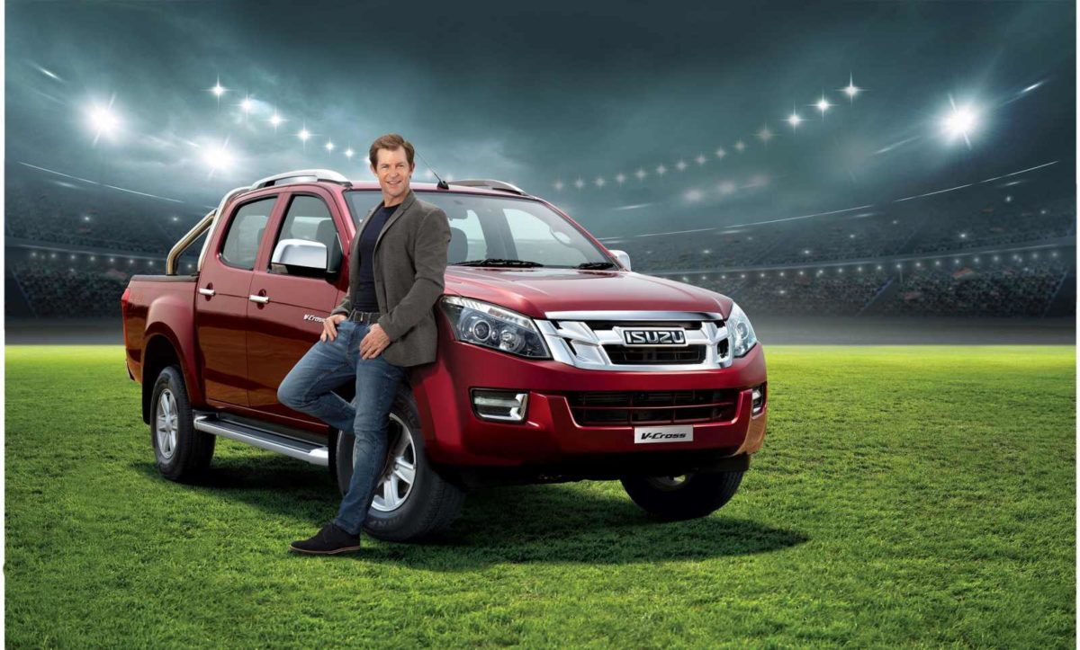Jonty Rhodes To Endorse Isuzu V Cross In India (2)