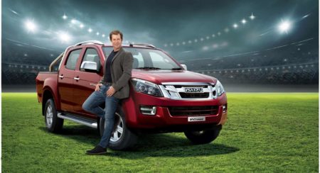 Jonty Rhodes To Endorse Isuzu V-Cross In India (2)