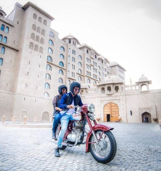 Savi Munjal and Vidit Taneja of Bruised Passports – Jawa 250 In Jaipur (2)