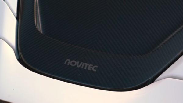 novitec 720s Carbon engine cover