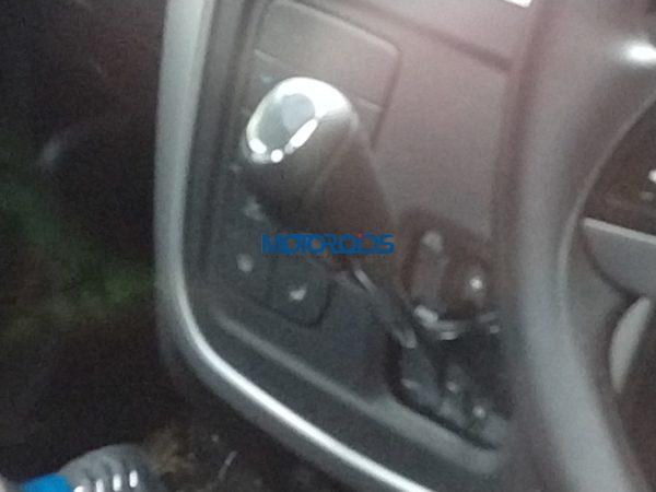 Mahindra KUV 100 Nxt AMT gear lever