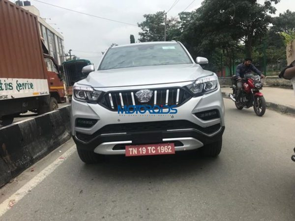 Mahndra XUV 700 spy images front silver