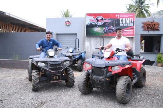 Mr. Pankaj Dubey, MD & Country Head, Polaris India and Mr. Raj Kumar, Co founder, Dirt Mania Adventure