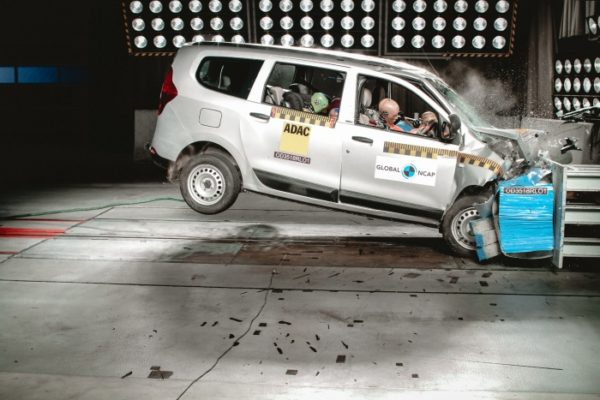 Renault lodgy crash test featured